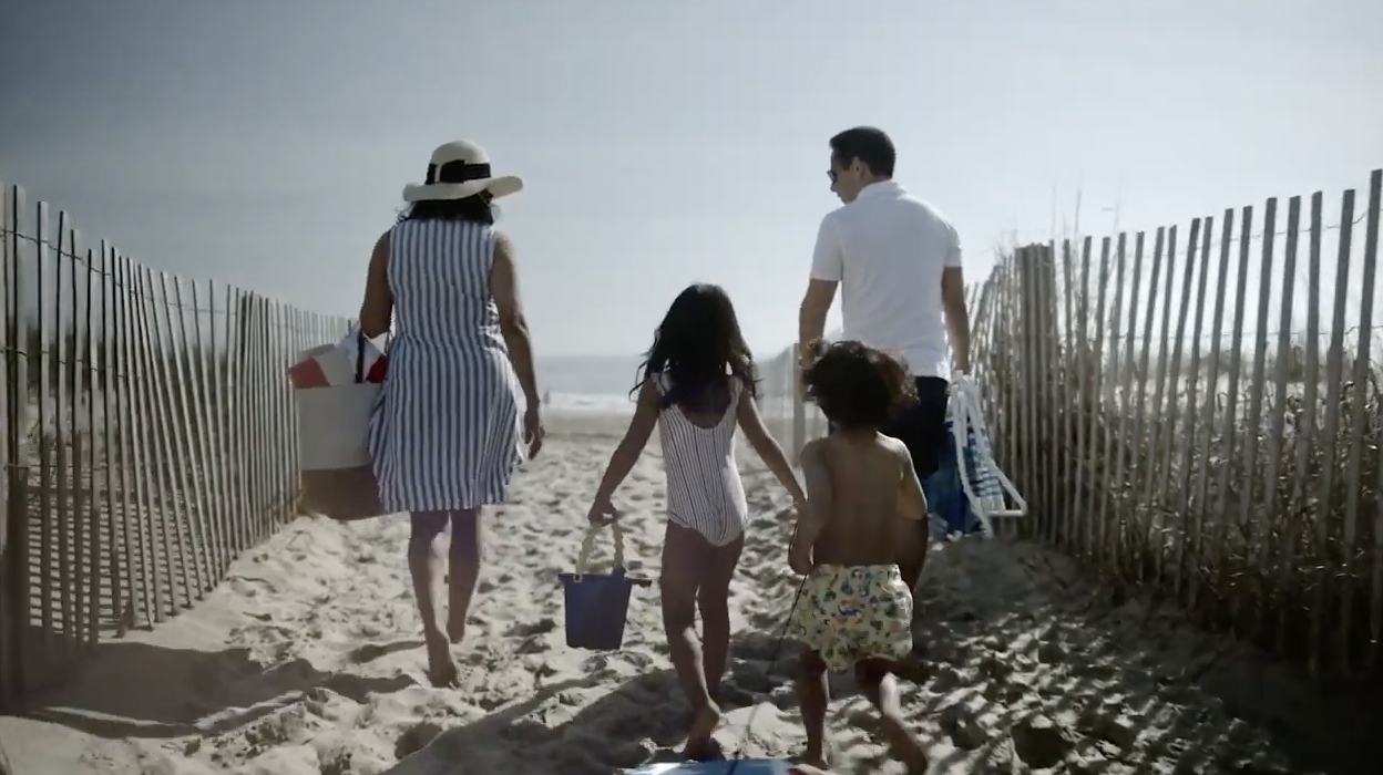 Beach Commercial: Sincere and Nostalgic